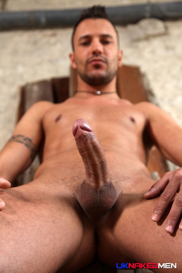 Juan-Perez-UKNakedMen-hairy-young-men-muscle-studs-British-gay-porn-English-Guys-Uncut-Cocks-03-gallery-video-photo