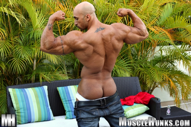 Rico-Cane-Muscle-Hunks-nude-gay-bodybuilders-porn-muscle-men-muscled-hunks-big-uncut-cocks-tattooed-ripped-03-pics-gallery-tube-video-photo
