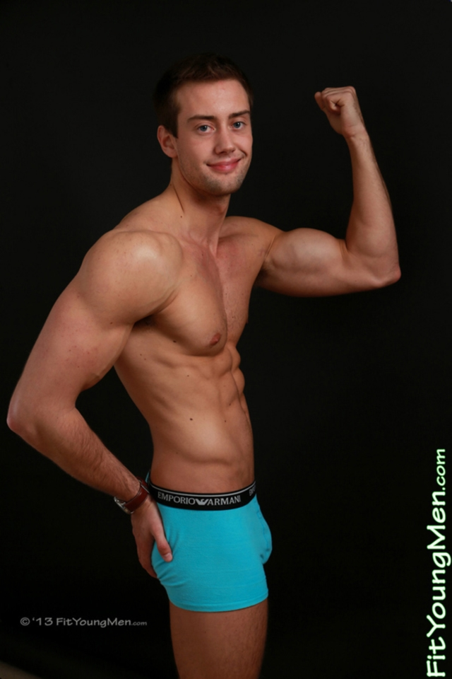 Naked-Young-Men-mm00435-fit-young-men-dan-evans-gallery-video-photo