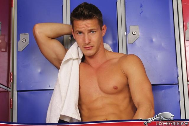 Darius-Ferdynand-UK-Hot-Jocks-nude-muscle-guys-uncut-british-cocks-006-male-tube-red-tube-gallery-photo
