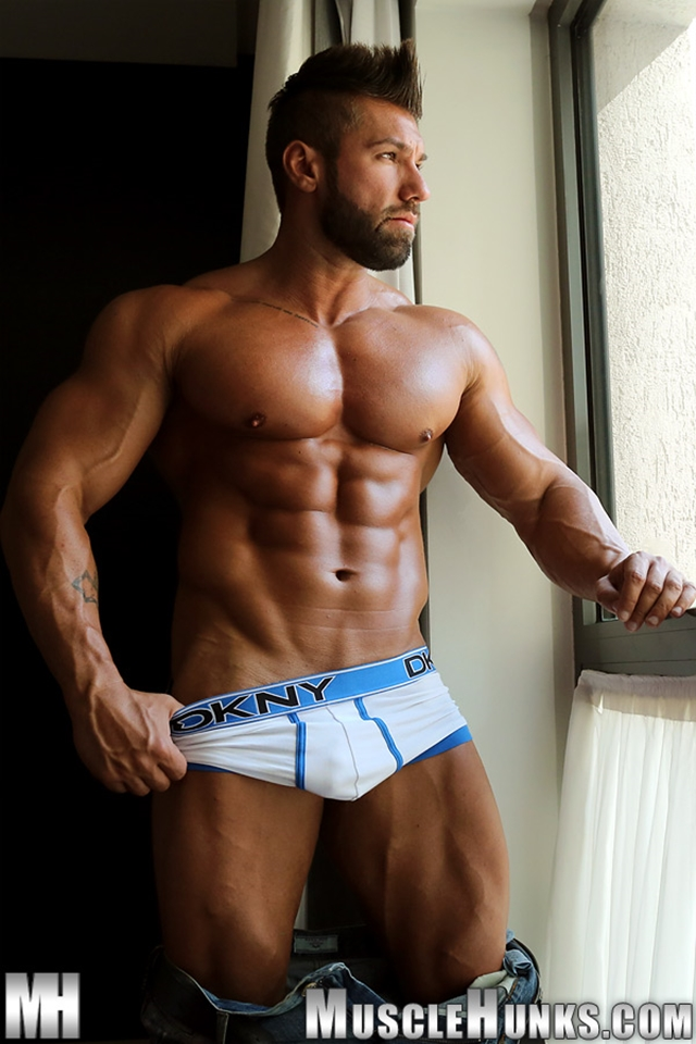 Muscle-Hunks-buffed-muscleman-Lucas-di-Angelo-strips-tight-underwear-huge-cock-fully-erect-004-male-tube-red-tube-gallery-photo