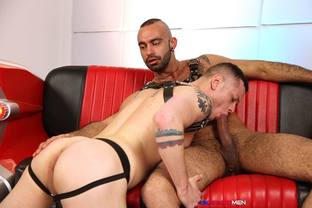 Tony-Thorn-and-Blue-Bailey-UKNakedMen-hairy-young-men-muscle-studs-British-gay-porn-English-Guys-Uncut-Cocks-003-male-tube-red-tube-gallery-photo