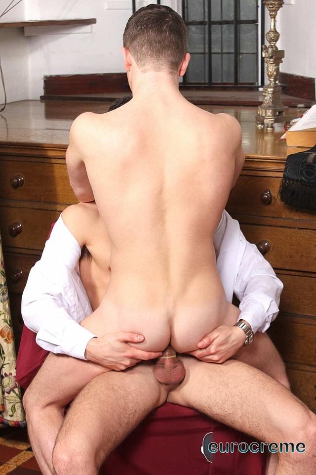 Eurocreme-Rox-Matthews-French-English-lad-Luke-Desmond-giant-stiff-dick-tiny-boy-massive-014-male-tube-red-tube-gallery-photo