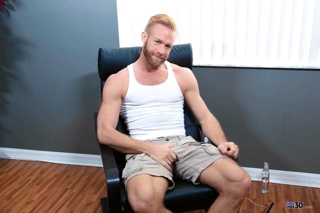 Men-Over-30-Christopher-Daniels-jerks-stroking-massive-cock-huge-cumshot-cum-explosion-001-male-tube-red-tube-gallery-photo