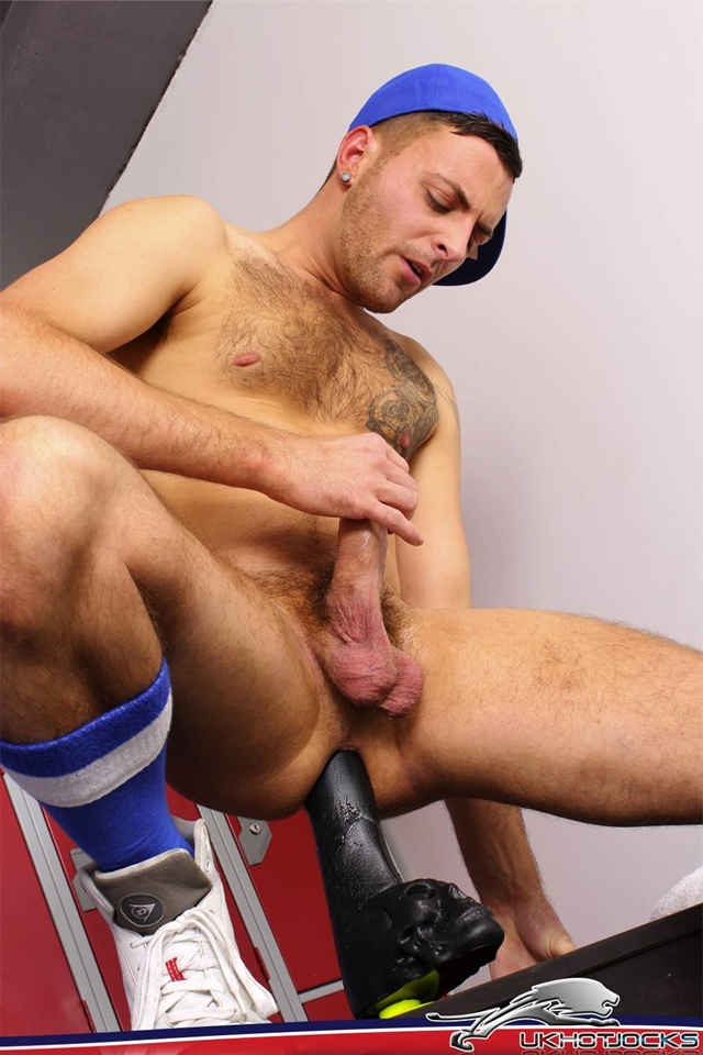 UK-Hot-Jocks-Riley-Tess-bottom-boy-12-inch-thick-ass-sex-toy-dildo-assplay-010-male-tube-red-tube-gallery-photo