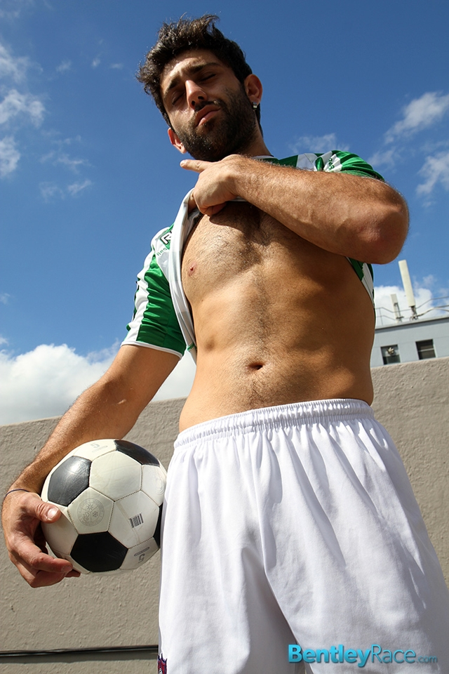 BentleyRace-24-year-old-straight-Adam-El-Shawar-nude-footballer-player-soccer-footie-kit-Bubble-butt-011-male-tube-red-tube-gallery-photo