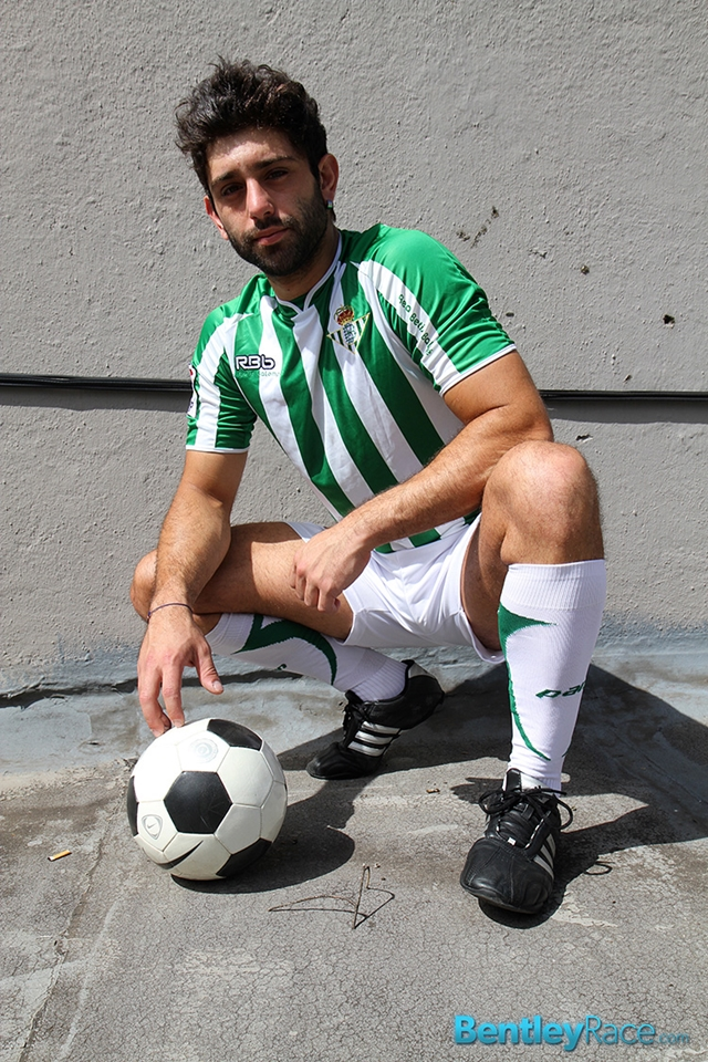 BentleyRace-24-year-old-straight-Adam-El-Shawar-nude-footballer-player-soccer-footie-kit-Bubble-butt-012-male-tube-red-tube-gallery-photo