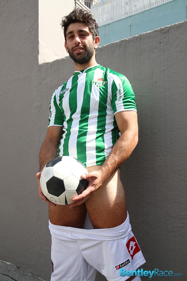 BentleyRace-24-year-old-straight-Adam-El-Shawar-nude-footballer-player-soccer-footie-kit-Bubble-butt-015-male-tube-red-tube-gallery-photo