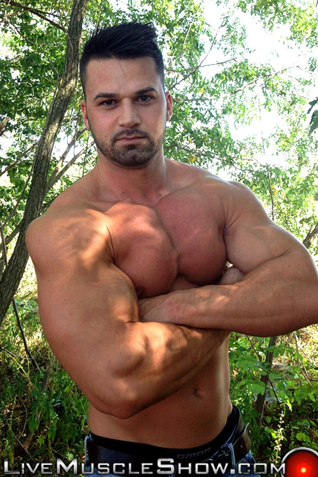 Live-Muscle-Show-Clark-Lewis-athletic-masculine-ripped-abs-muscle-nude-bodybuilder-broad-hairy-chest-008-male-tube-red-tube-gallery-photo