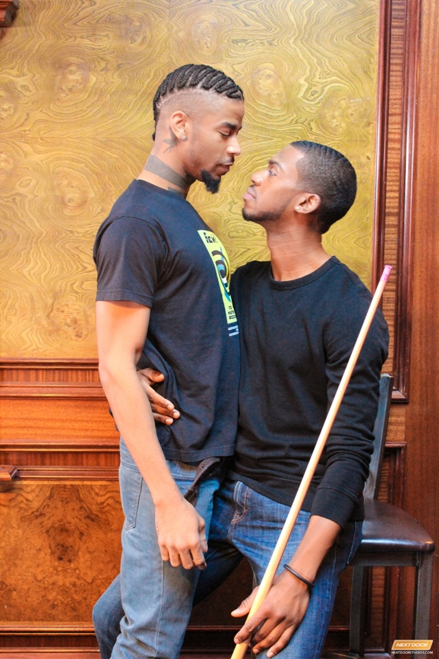 Next-Door-Ebony-kissing-Jin-Powers-Krave-Moore-massive-erection-licks-ass-fucking-dick-pounds-tender-003-male-tube-red-tube-gallery-photo
