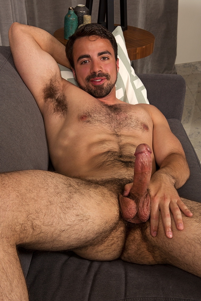 Sean-Cody-bearded-Eddie-beautiful-gorgeous-hairy-chest-fur-hair-ass-cheeks-bubble-butt-average-dick-008-male-tube-red-tube-gallery-photo