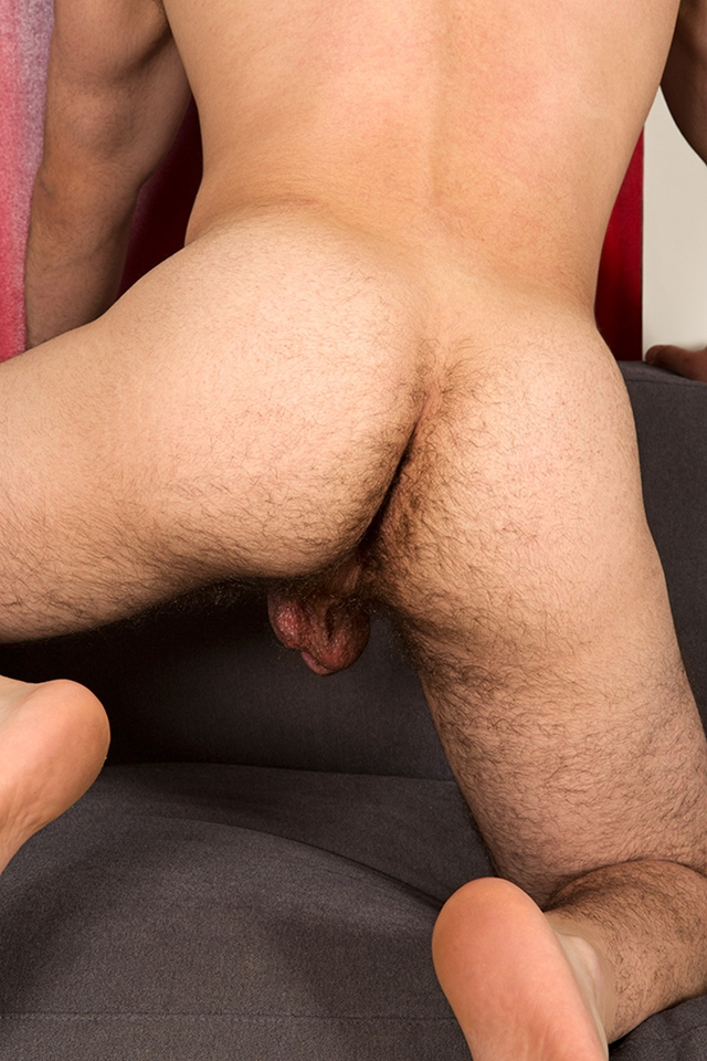 Sean-Cody-bearded-Eddie-beautiful-gorgeous-hairy-chest-fur-hair-ass-cheeks-bubble-butt-average-dick-011-male-tube-red-tube-gallery-photo