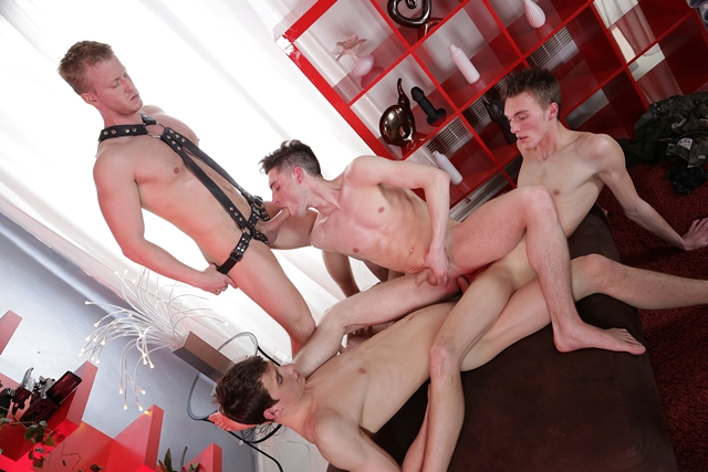 Staxus-Mike-James-Benjamin-Dunn-Denis-Reed-three-swollen-dicks-Johny-Cruz-ass-hole-fuck-012-male-tube-red-tube-gallery-photo