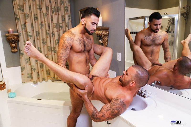 MenofMontreal-Rikk-York-Damien-Crosse-tongue-rimming-smooth-hairy-hole-licking-sucking-round-ass-fucking-butt-hole-014-tube-download-torrent-gallery-photo