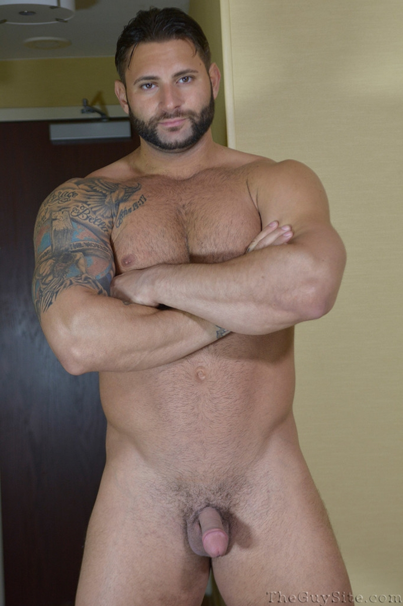 TheGuySite-Mike-Buffalari-naked-bodybuilding-29-years-old-big-muscle-hunk-bigger-beefier-V-Shaped-torso-huge-thighs-shape-010-tube-download-torrent-gallery-photo