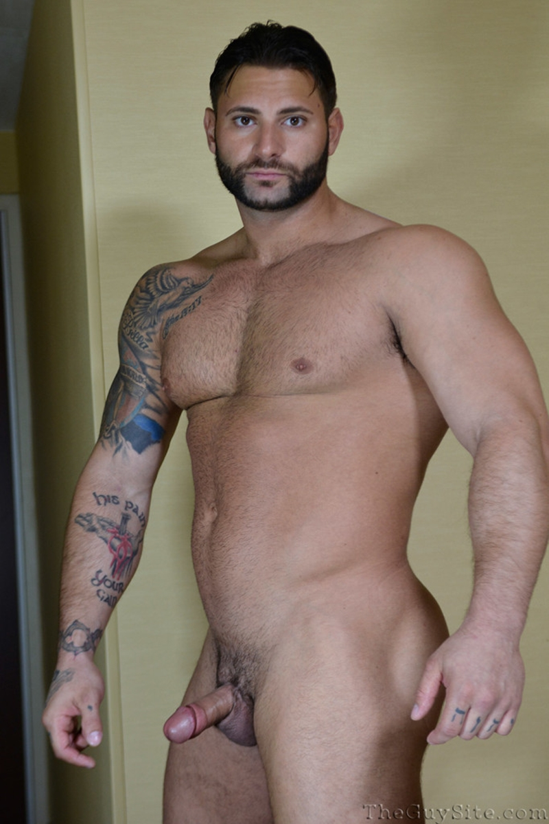 TheGuySite-Mike-Buffalari-naked-bodybuilding-29-years-old-big-muscle-hunk-bigger-beefier-V-Shaped-torso-huge-thighs-shape-012-tube-download-torrent-gallery-photo