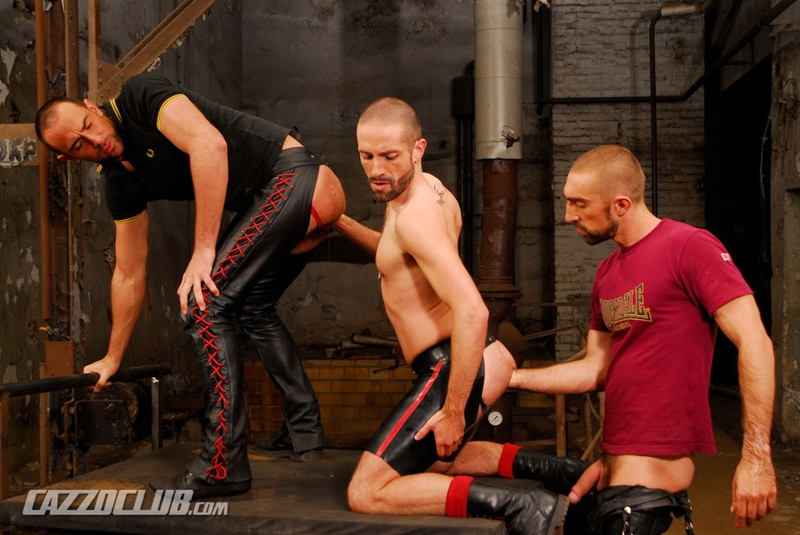 CazzoClub-Nicolas-Paris-David-Castan-Nicolas-Torri-sex-pigs-hungry-tops-hot-man-jizz-fisting-assplay-asshole-two-fists-005-tube-download-torrent-gallery-sexpics-photo