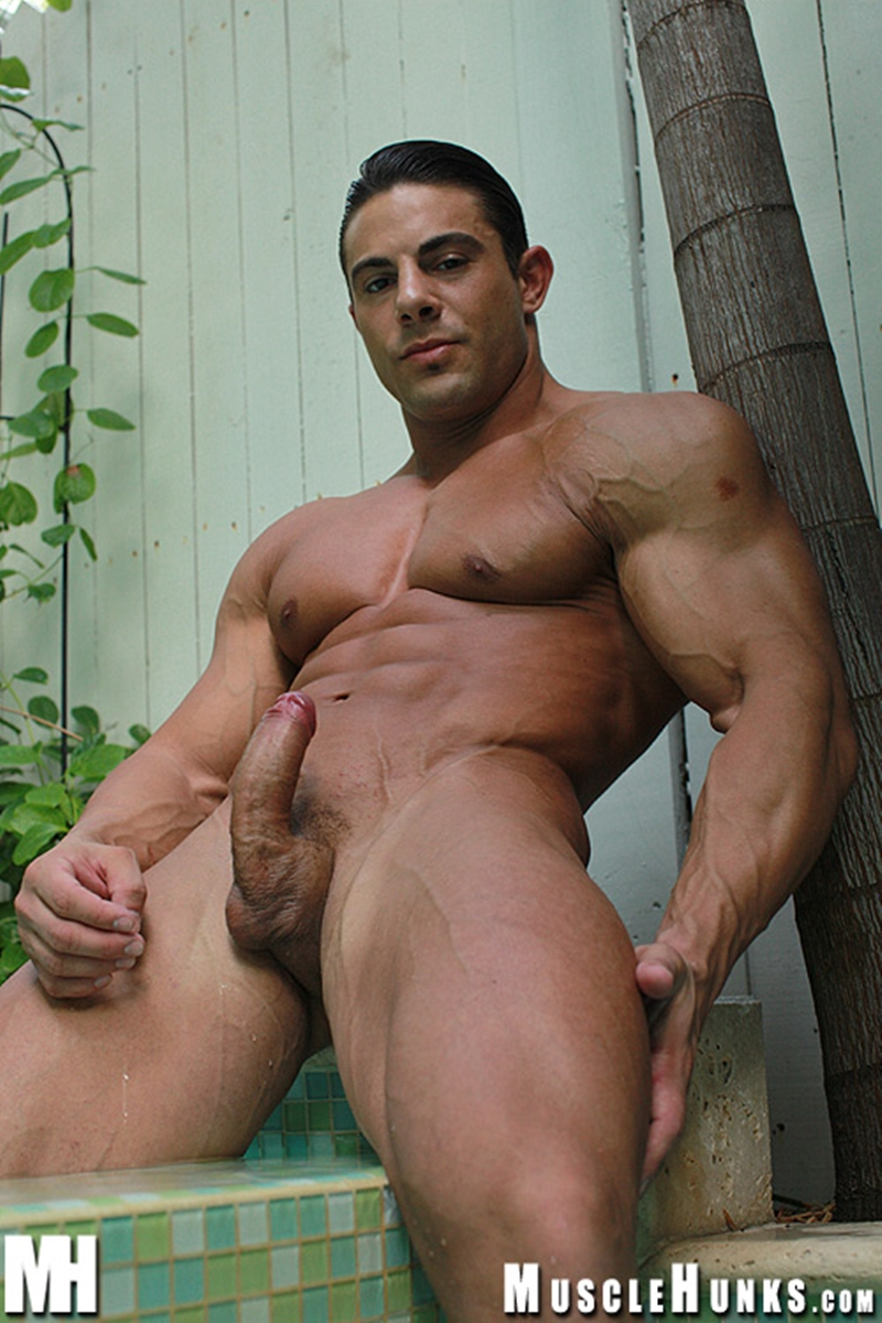 MuscleHunks-Massive-big-muscle-man-Rocco-Martin-naked-bodybuilder-ripped-chest-six-pack-abs-curved-dick-rock-hard-wanks-001-tube-download-torrent-gallery-sexpics-photo
