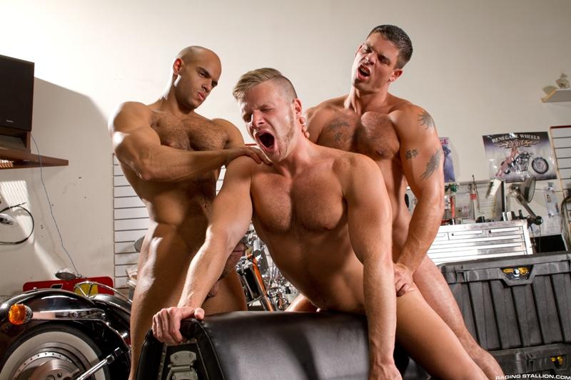RagingStallion-Sean-Zevran-sucking-huge-dicks-rimming-asshole-Brian-Bonds-Derek-Atlas-unrelenting-oral-and-anal-fucking-014-tube-video-gay-porn-gallery-sexpics-photo