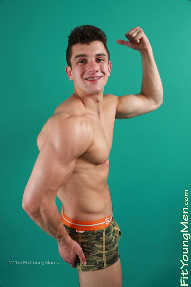 FitYoungMen-naked-dude-Marcus-Carver-Gym-Age-22-years-old-Straight-huge-uncut-cock-ripped-abs-big-muscle-hunk-underwear-002-gay-porn-video-porno-nude-movies-pics-porn-star-sex-photo
