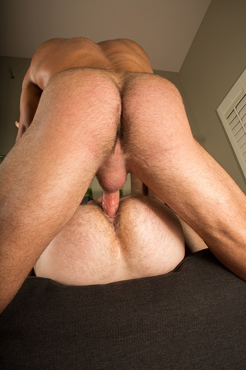 SeanCody-Hairy-chested-muscle-hunk-sexy-Scott-bareback-fucks-Tanner-bare-cock-tanned-ass-cheeks-raw-asshole-bareback-fucks-man-hole-edge-006-gay-porn-sex-porno-video-pics-gallery-photo