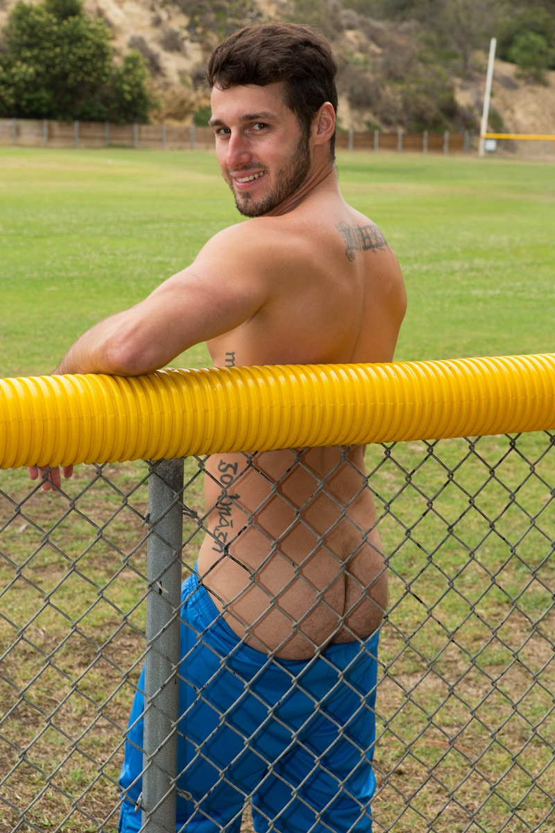 SeanCody-Sexy-young-bearded-muscle-stud-Coty-good-looking-guy-thick-cock-hairy-bubble-ass-cheeks-orgasm-jerks-blows-cumload-furry-abs-09-gay-porn-star-sex-video-gallery-photo