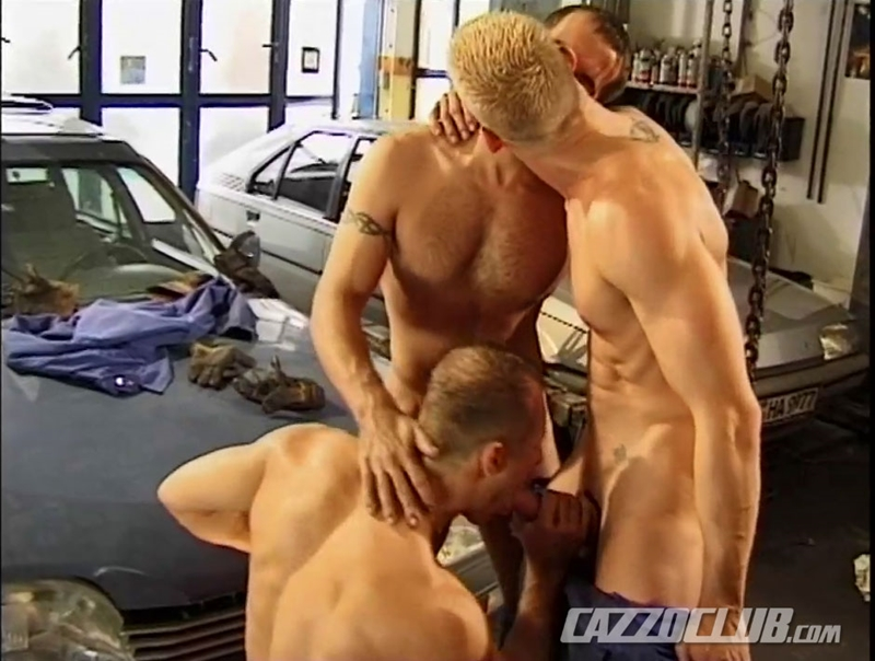 CazzoClub-Andy-Nickel-Jack-Janus-Patrik-Ekberg-mechanic-car-workshop-overalls-tight-ass-fingered-fuck-ass-011-tube-download-torrent-gallery-sexpics-photo