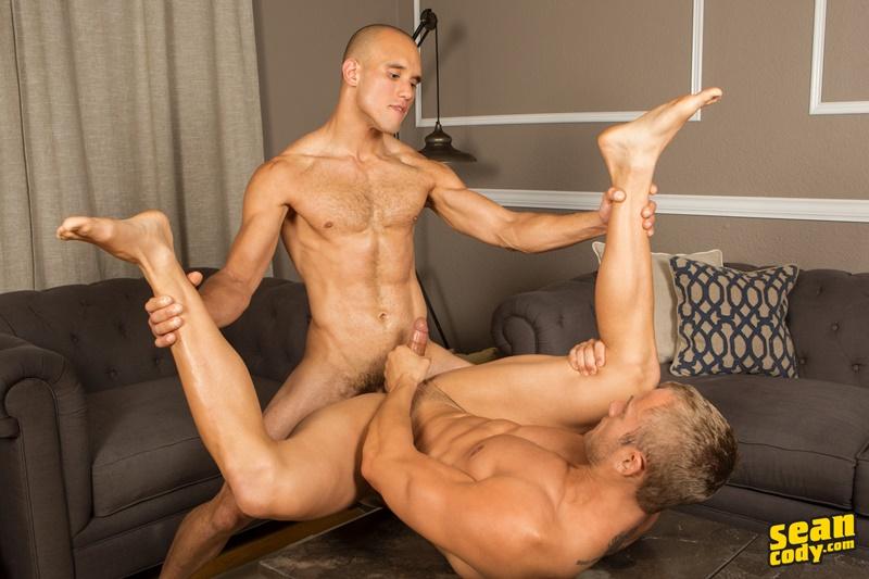 seancody-sean-cody-frankie-blake-bareback-anal-fucking-big-thick-long-large-dick-bare-raw-barebacking-anal-rimming-cocksucker-009-gay-porn-sex-gallery-pics-video-photo