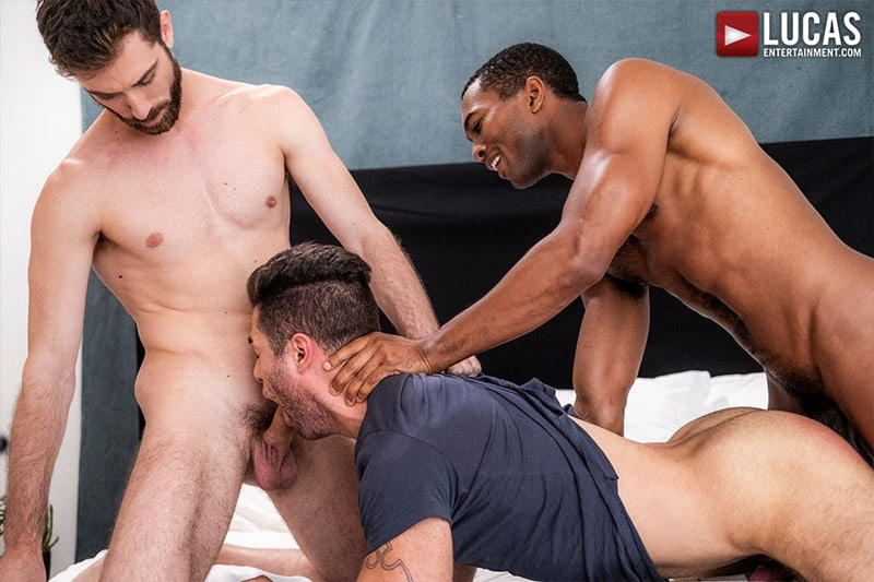 Men for Men Blog JASON-COX-LUCAS-LEON-SEAN-XAVIER-MONSTER-BLACK-DICK-big-muscle-threesome-LucasEntertainment-011-gay-porn-pictures-gallery Hot muscle dudes Jason Cox and Lucas Leon double fucked by Sean Xavier Lucas Entertainment