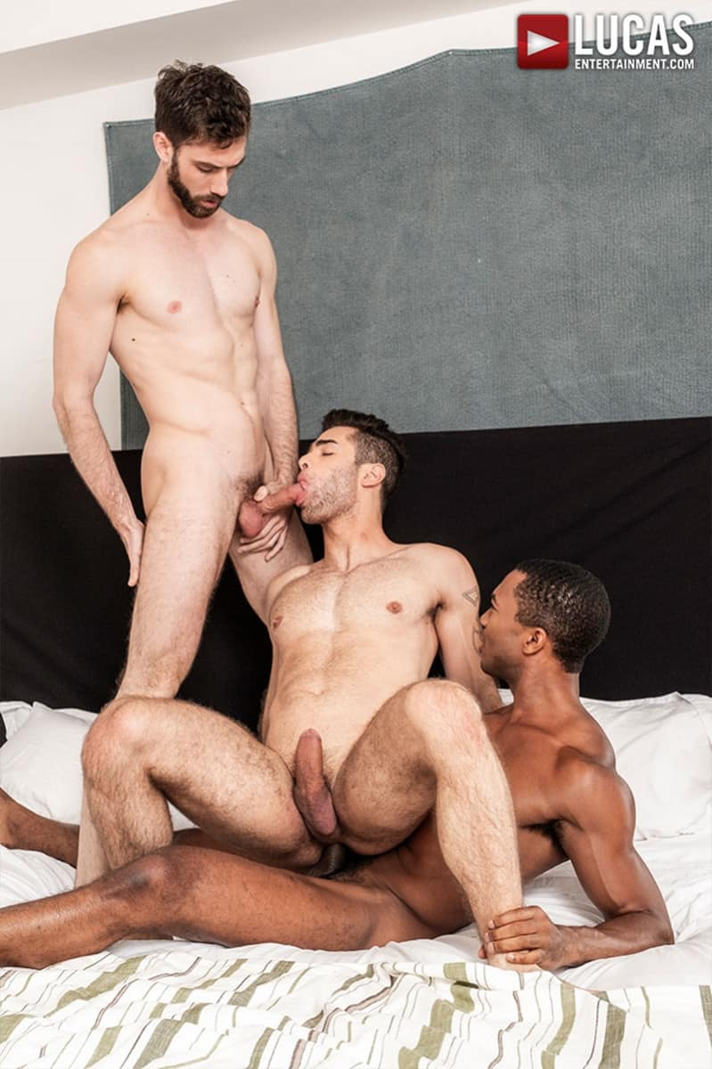 Men for Men Blog JASON-COX-LUCAS-LEON-SEAN-XAVIER-MONSTER-BLACK-DICK-big-muscle-threesome-LucasEntertainment-022-gay-porn-pictures-gallery Hot muscle dudes Jason Cox and Lucas Leon double fucked by Sean Xavier Lucas Entertainment