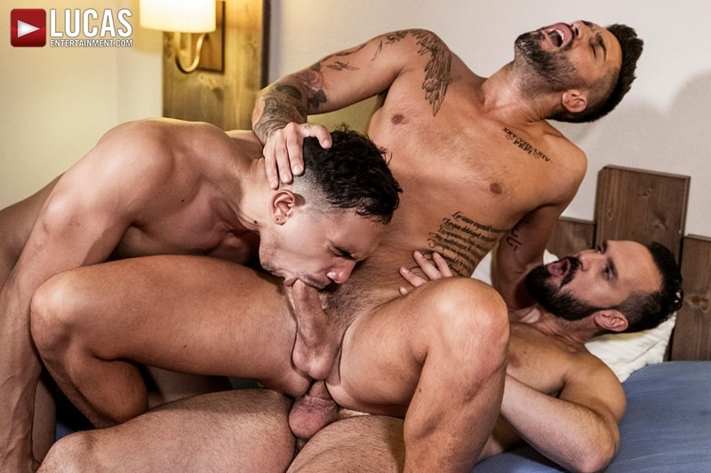 Hottie-muscle-hunks-Andrea-Suarez-Andy-Onassis-J-Anders-uncut-raw-fucking-LucasEntertainment-019-Gay-Porn-Pics